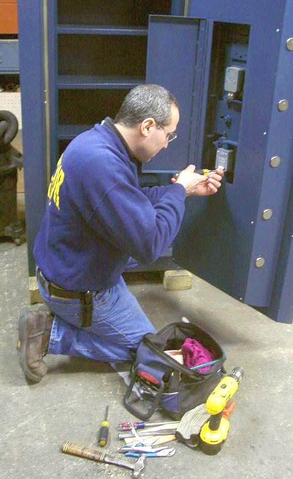 инструкция по вскрытию сейфов